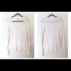Splendid Medium Cream Colored Thermal Top